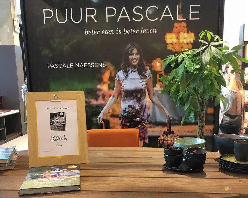 pascale-naessens-signeerstand-boekenbeurs-badrepublic-books
